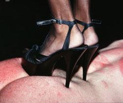 Tittenfolter brutale brutale fotzen